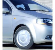Крыло переднее правое с отверстием в цвет кузова Chevrolet Aveo T200 (2003-2008) седан